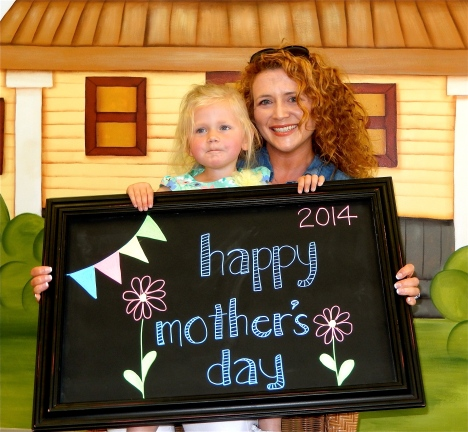 chalk:mom14-2