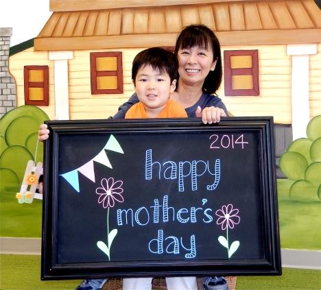 chalk:mom14-7